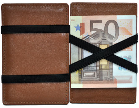 Our Magic Wallets support the 50 euro bill